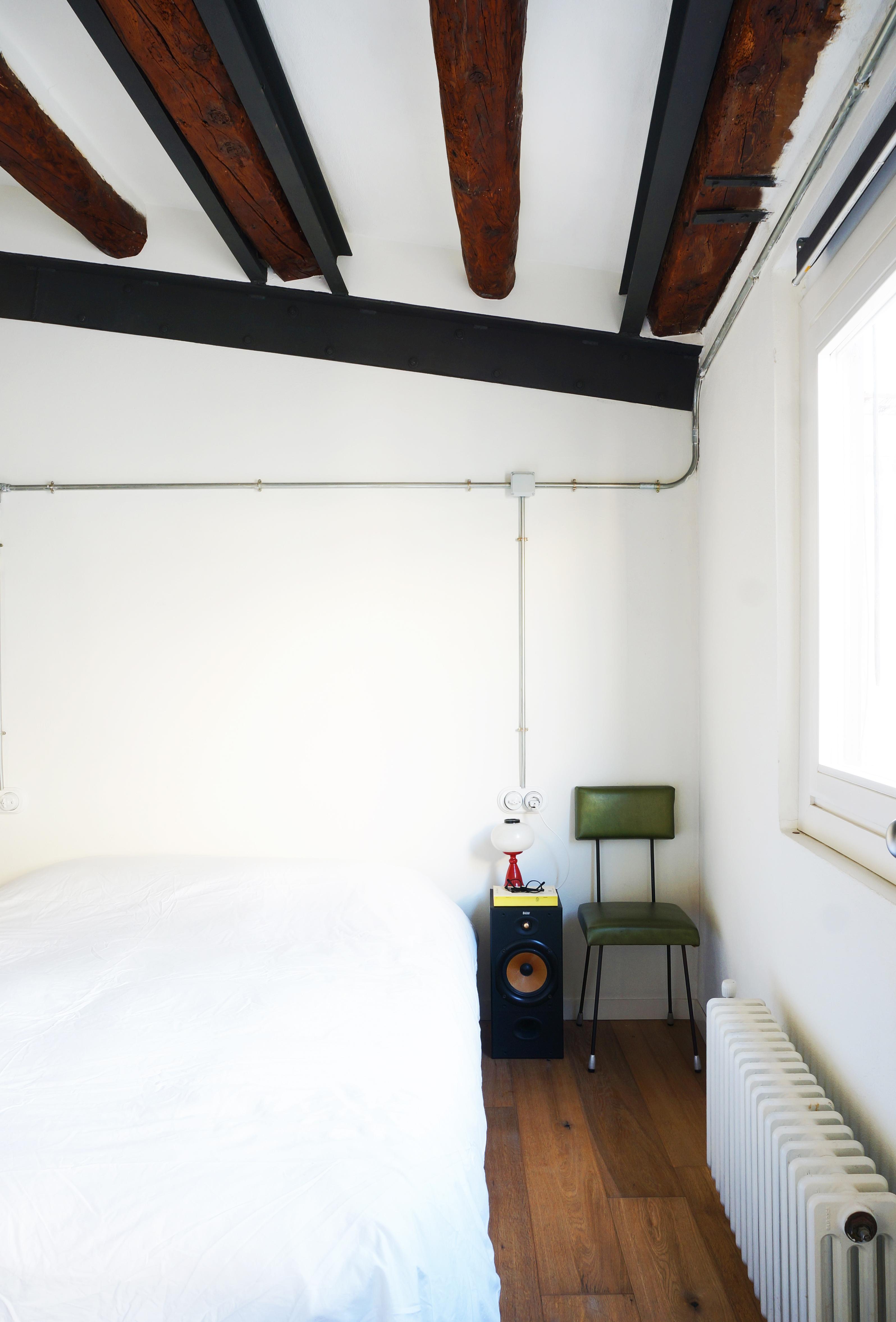Reforma dormitorio con instalacion vista