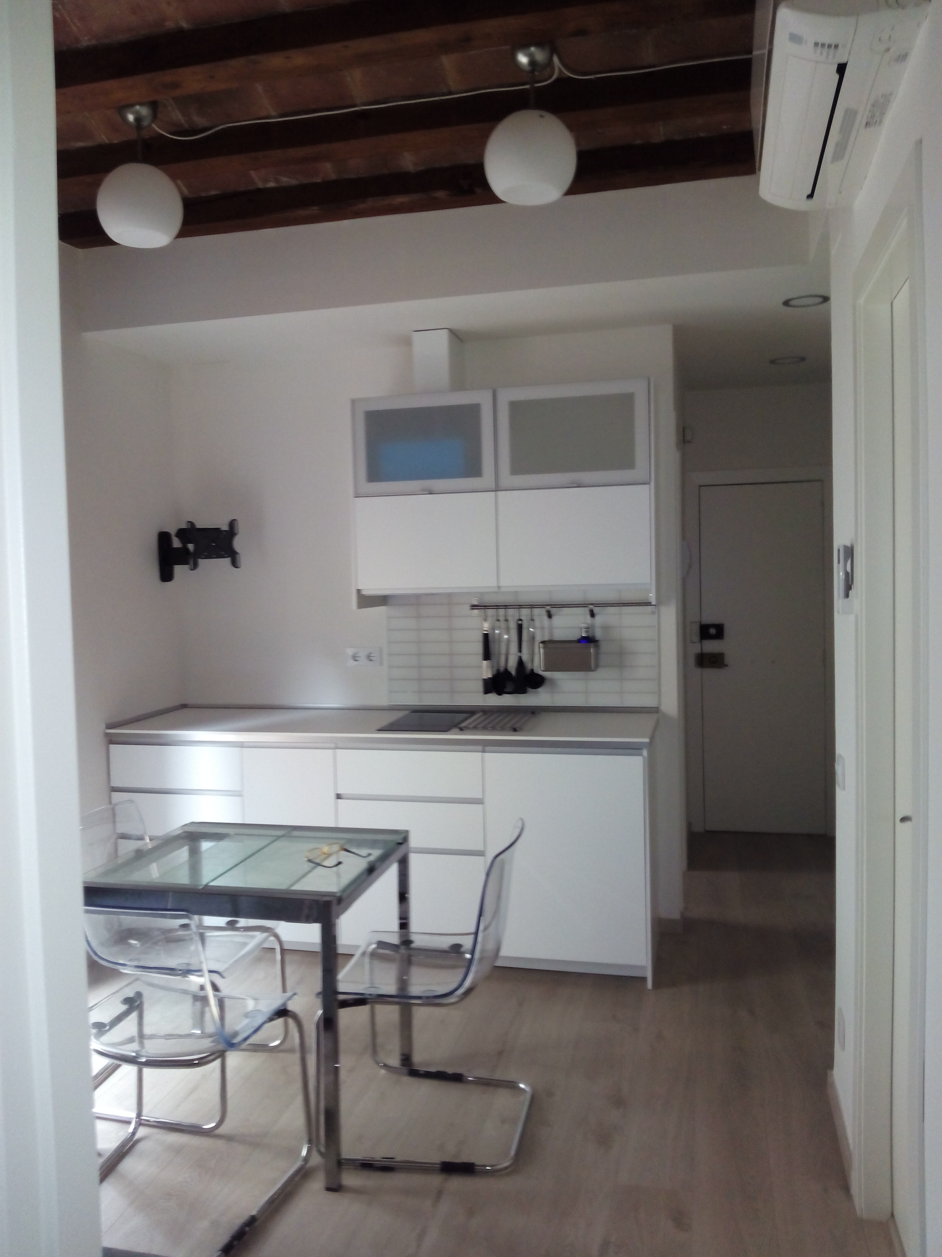 rehabilitacion integral de apartamento en la barceloneta de barcelona
